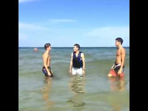 How to make your friends paranoid in the ocean VINE Jack and Jack