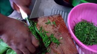 Cardápio do dia: angú, pé de porco e couve