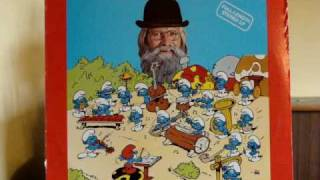 "Father Abraham and the Smurfs perform ""Smurfing Beer"""