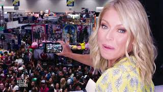 "Kelly Goes to San Diego Comic Con for the ""Riverdale"" Panel"