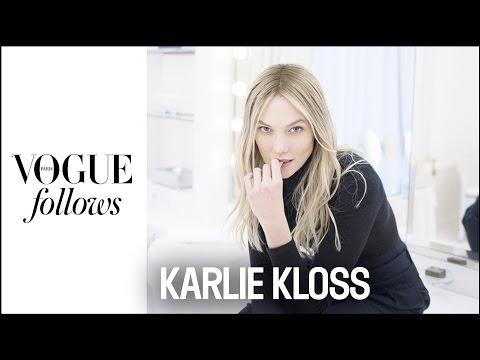 Karlie Kloss : Fashion Week Catch-Up in Paris |  #VogueFollows  |  VOGUE PARIS