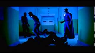 Mugamoodi - Mugamoodi saves his girl's father - Jiiva / Pooja Hegde