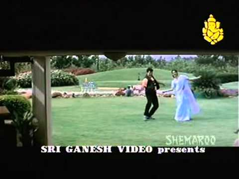 Akki Beku Lekhuabha - Ravichandran - Sexy Item Songs video