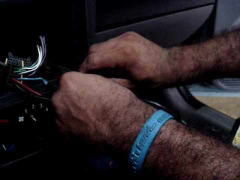 Curso de Som Automotivo-Instalando DVD Retratil.wmv