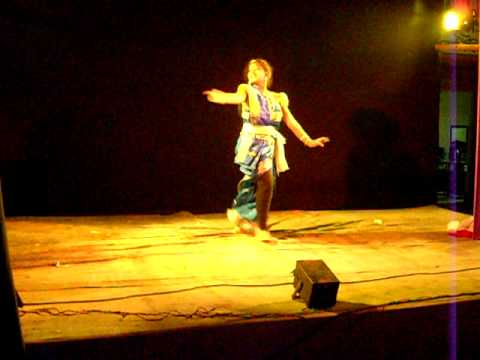 Indian Dance Dekhechho Ki Take Oi Neel Nodir Dhare By Namrata Debroy video