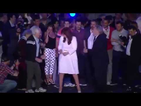 "Cristina Fernández de Kirchner baila ""El bombón asesino"""