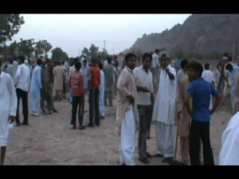 Rabwah 28 May 2010 Work Of Qabar Kushai in Rabwah (importent video).mpg