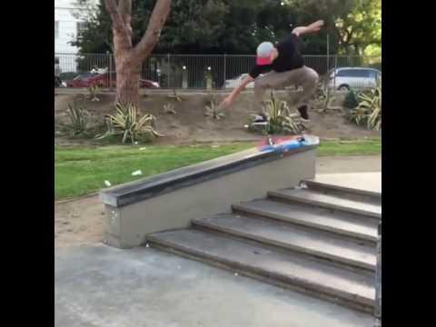 👌🏼@sewakroetkov 🎥: @stevecorona12 | Shralpin Skateboarding