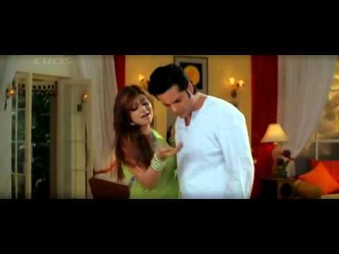Bollywood Actress Ayesha Takia Hot Romance Scene In Saree video