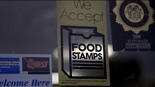 Người hưởng food stamp có thể bị thử máu