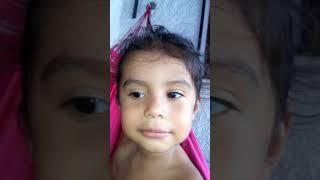 Fã de bonde do brasil de apenas 2 anos cantado seus sucesso