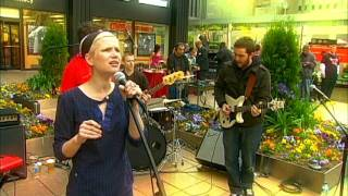 JENNIFER HALL  performs Young Things LIVE on Fox News In The Morning