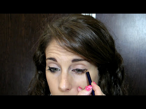 Como delinearte los ojos como una maquilladora profesional (How to eyeline your eyes like a pro)