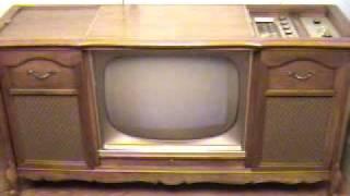 Magnavox console radio vintage 1947 1946