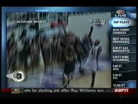 Will Bynum dunk on Weber State in the Big Sky semifinals (March 10, 2009)