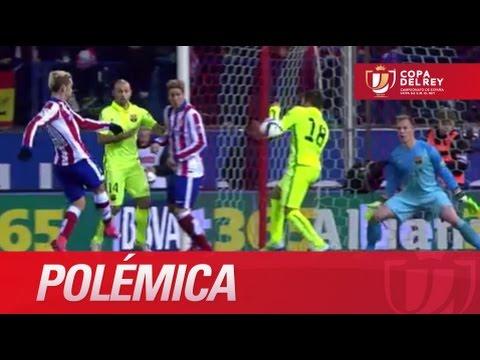 Polémica: mano de Jordi Alba dentro del área