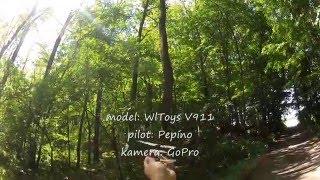 RC vrtulník WlToys V911 v lese