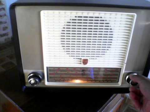 ANTIGUA RADIO PHILIPS DE LOS AÑOS 50