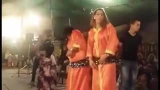فيديو طريف بأحد الأعراس المغربية