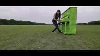 Sylwia Grzeszczak - Pozyczony [Official Music Video]