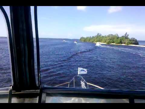 Cruisin Up to Pine Island Sound - Captain Paul's Yacht Charter