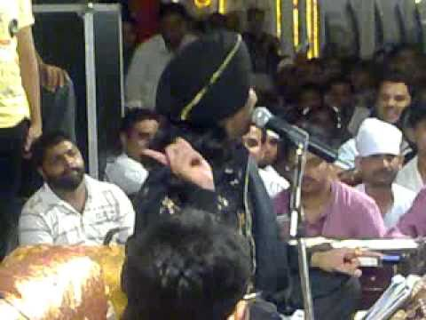 Satinder Sartaj Live & Gurdas Maan In Nakodar Baba Murad Shah Ji.wmv video