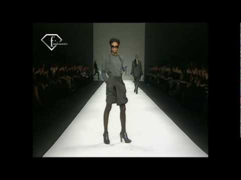 fashiontv | FTV.com - MAX MARA-WOMAN-A/W 2008-09 --FASHION SHOW