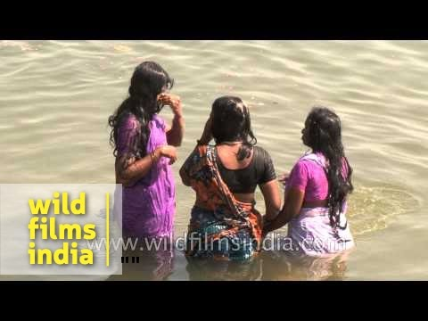 Women Bathing At Varanasi Ghat video
