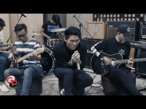 Download  EXCLUSIVE Seventeen - Kemarin | LIVE Session Gratis, download lagu terbaru