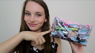 ASMR What's In My Makeup Bag? Tapping and Brushing