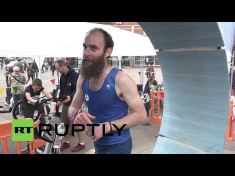 UK: 'Human hamster' Dean Ovel to run for 24 hours to raise hospital funds