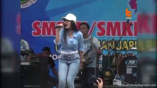 Download Song GOYANGAN NELLA KHARISMA FEAT GENDANGAN CAK MALIK - PIKIR KERI Free StafaMp3
