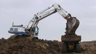 Liebherr R964C Excavator Loading Clay