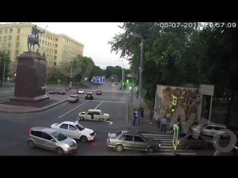 ДТП на перекрестке пр. Науки — пр. Независимости (05-07-2016)