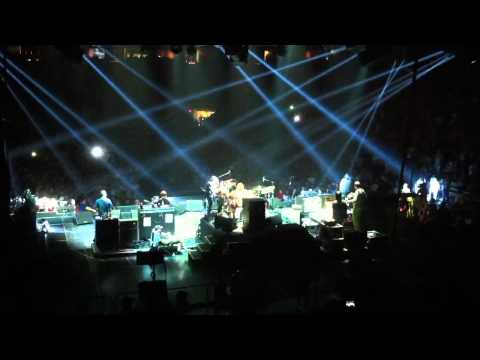 Foo Fighters - Krist Novoselic - IZod Center - One Of These