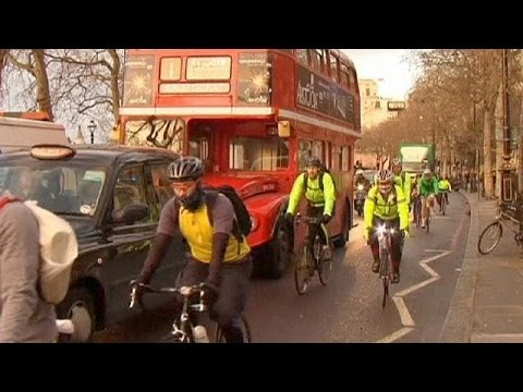Transport chaos as strike hits London Underground
