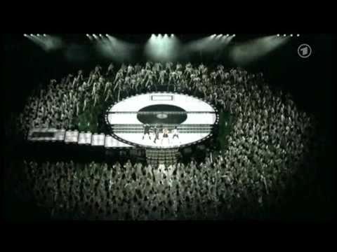 Black Eyed Peas Super Bowl 2011