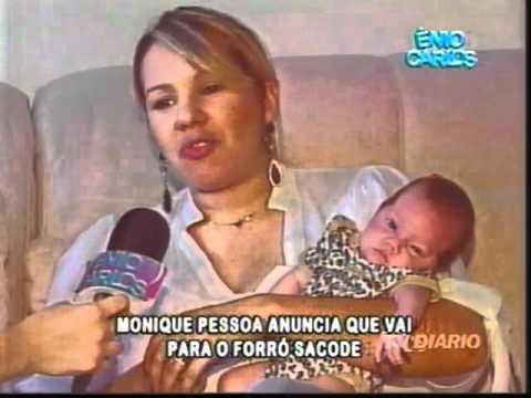 Ênio Carlos. Monique Pessoa anuncia saída da banda Solteirões do Forró. Parte 3.mp4 thumbnail