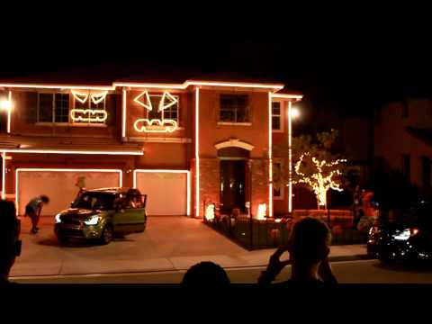 HALLOWEEN LIGHT SHOW 2011 - LMFAO  PARTY ROCK ANTHEM