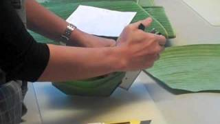 Hormok 1/4 - Making a Banana leaf cup