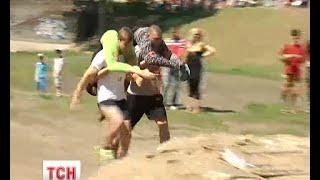 У столиці відбувся перший забіг із дружинами - (видео)