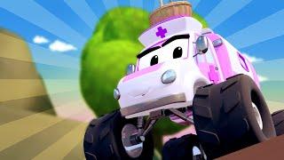 Monster Truck -  Miranda la Monster ambulance veut remonter le moral de Mia ! - Monster Town 🚗