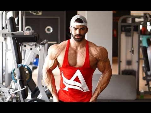 Sergi Constance - How get a shredded shoulders workout
