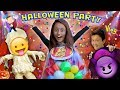 SCARIEST KIDS HALLOWEEN PARTY EVER w/ Costume Contest! FUNnel Vision Gets Spooky (2016 Holiday Vlog)