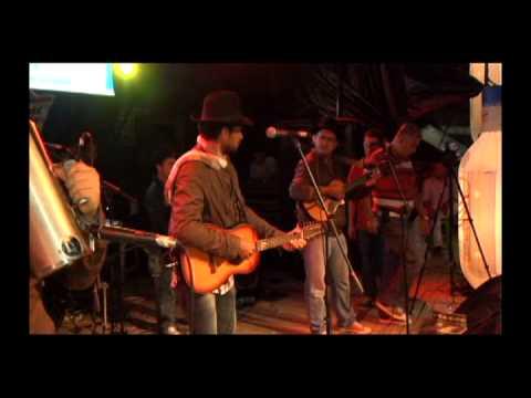 Video en vivo, Los Dotores de la Carranga La muchacha del conejo ,jueves 31 de octubre 2013