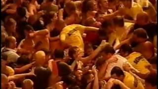 2001 Big Day Out | Crowd Incident with Limp Bizkit | Break Stuff