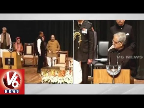 Mufti Mohammad Sayeed takes oath as J&K Chief Minister (01-03-2015)