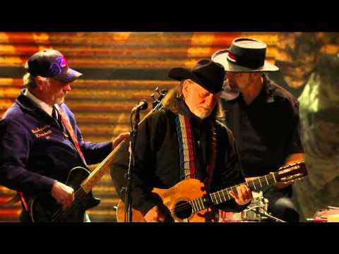 Willie Nelson - Beer for my Horses (Live at Farm Aid 25)