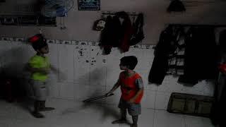 Trẻ trâu đánh nhau hahaha