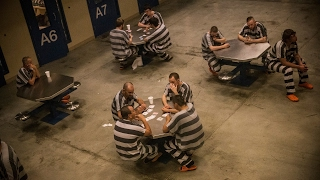 Sessions rescinds order limiting private prisons